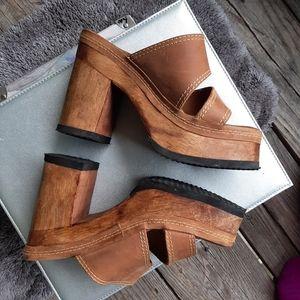 Vintage 90s Wood Platform Sandals Tan Size 5 1/2